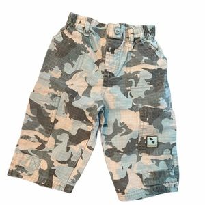 ✨3 for $30✨Baby Boys Camo Pants size 6 months